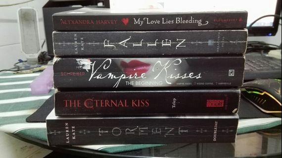 Vampire Themed Teen Novels
