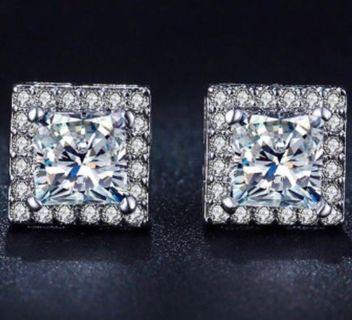 High Quality Sparkling Cubic Zirconia Square Ear Studs - New