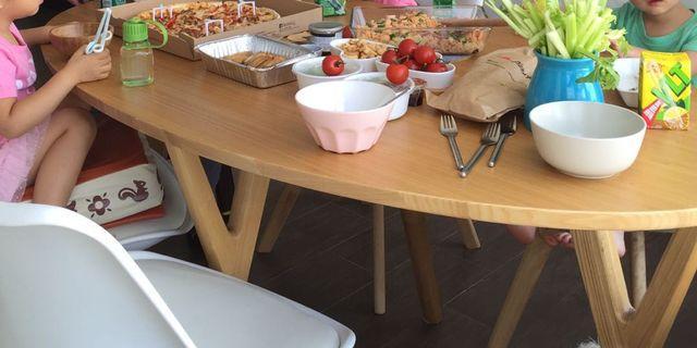 實木餐卓約0.8、1.6米