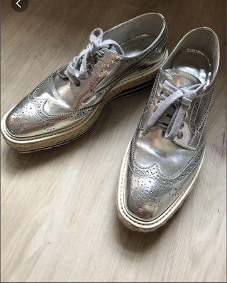 🚚 Prada Silver Brogue Platform
