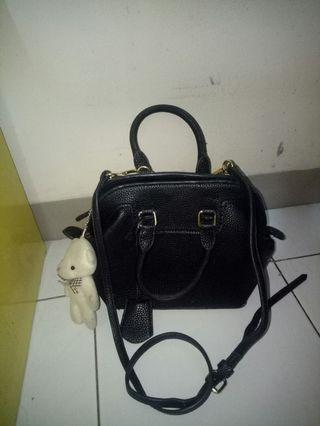 Black sling bag free gantungan teddy bear