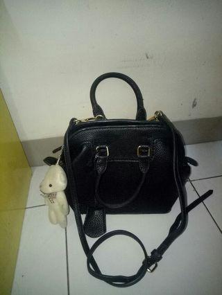 Black sling bag hitam free gantungan teddy bear