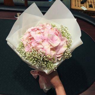 Elyse Fresh Flowers Bouquet - Hydrangea, Baby Breaths | Mother's Day Bouquet | Valentines Day Bouquet | Birthday Bouquet | Graduation Bouquet