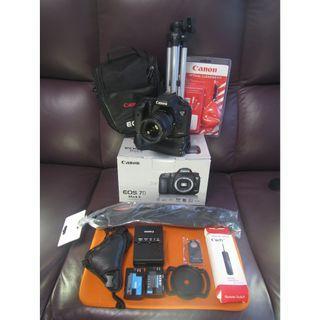 打雀專用 CANON 9成9新 7D2 行貨 淨機 BODY $5800 送大量配件 鏡頭另外加錢