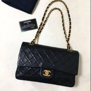 "Chanel vintage medium 10"" lambskin black bag"