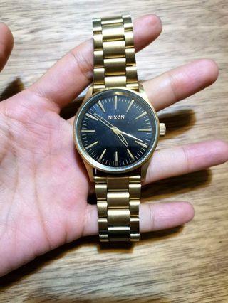 NIXON unisex stainless steel chic watch