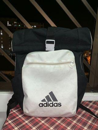 🚚 Adidas Backpack