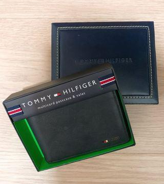 🚚 Tommy Hilfiger wallet