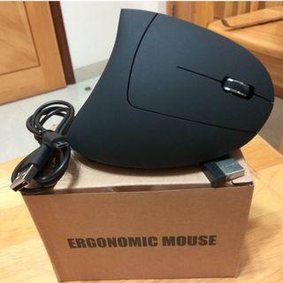 好評如潮 無線五代 靚仔 人體工學垂直滑鼠直立wireless無線滑鼠 Ergonomic Mouse保健