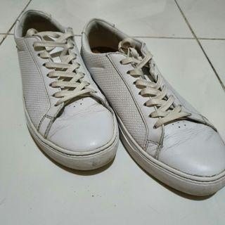 Lacoste L.12.12 Leather Sneakers Putih
