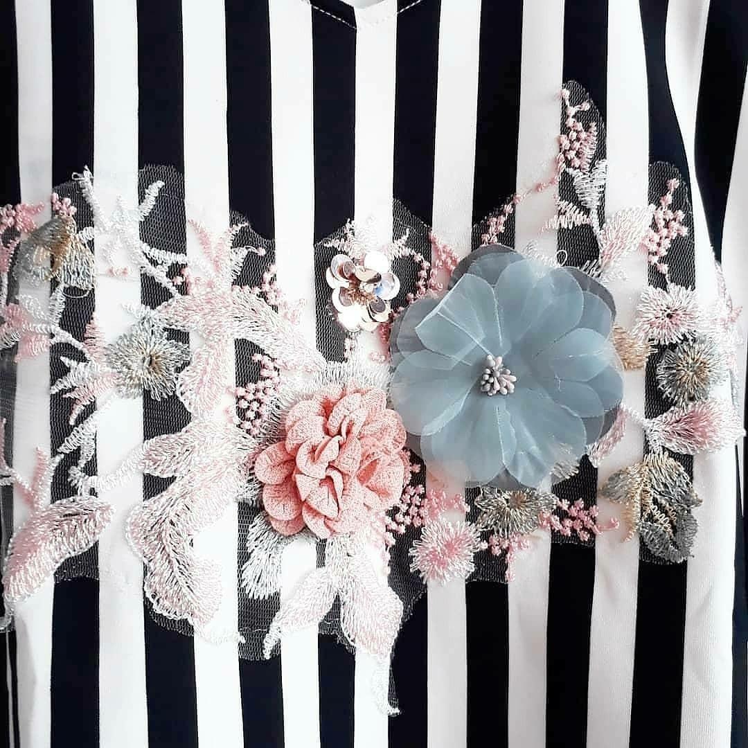 3d Flower scuba stripe top