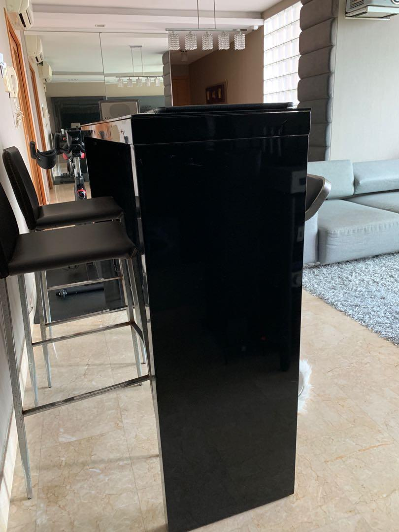 Picture of: Bar Top Table And High Chair For Sale Furniture Tables Chairs On Carousell