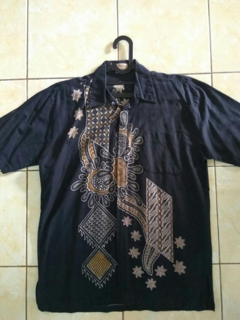 Batik hitam motif