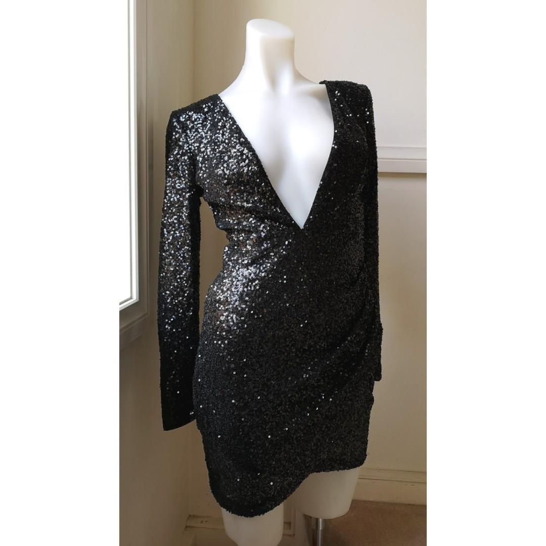 BRAND NEW--size 8: BNWT- Size 8: Black sequin long sleeve dress
