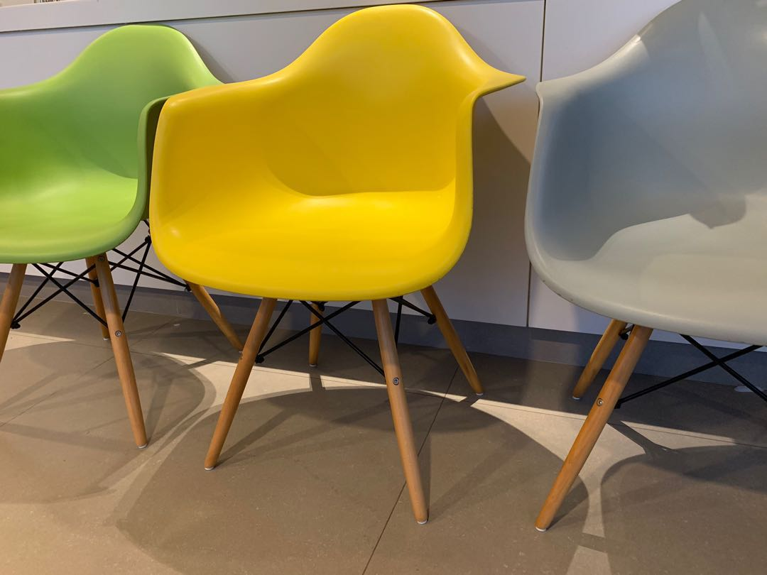 Chic Eames Designer Arm Chairs (replica) selling cheap Furniture Tables u0026 Chairs on Carousell & Chic Eames Designer Arm Chairs (replica) selling cheap Furniture ...