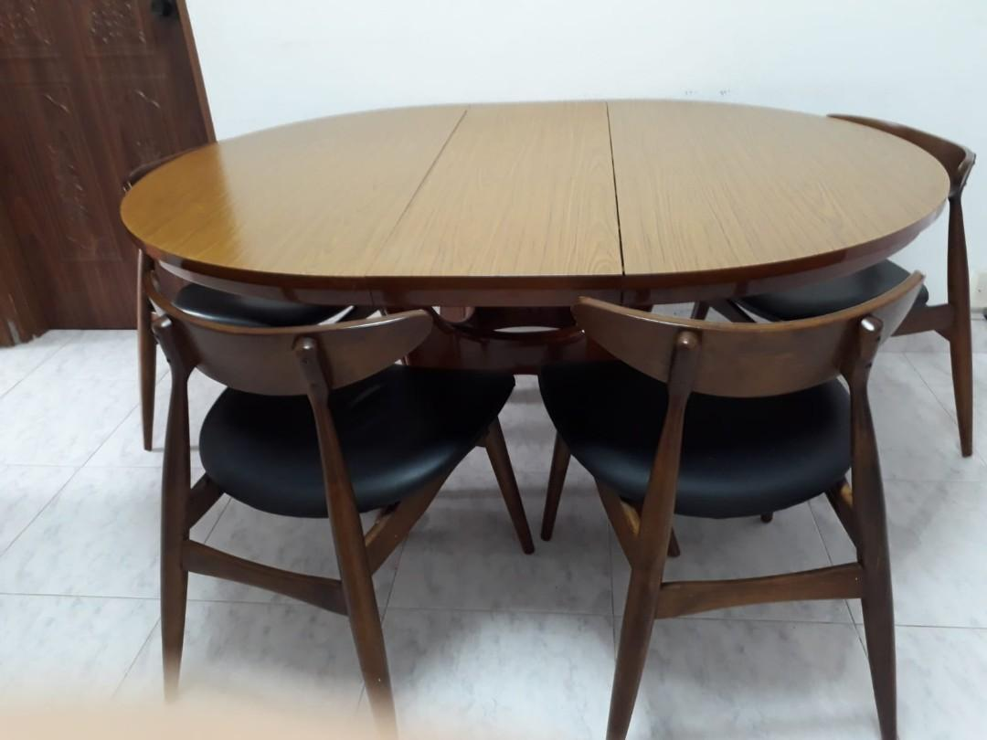 Dining Table (Oval, Wooden)