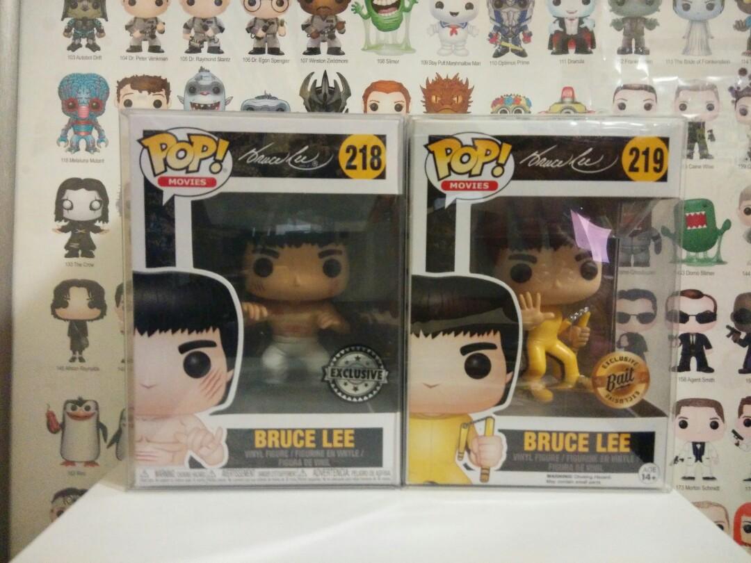Funko Vinyl #1 w// Pop Protector Bruce Lee Gold Exclusive Pop
