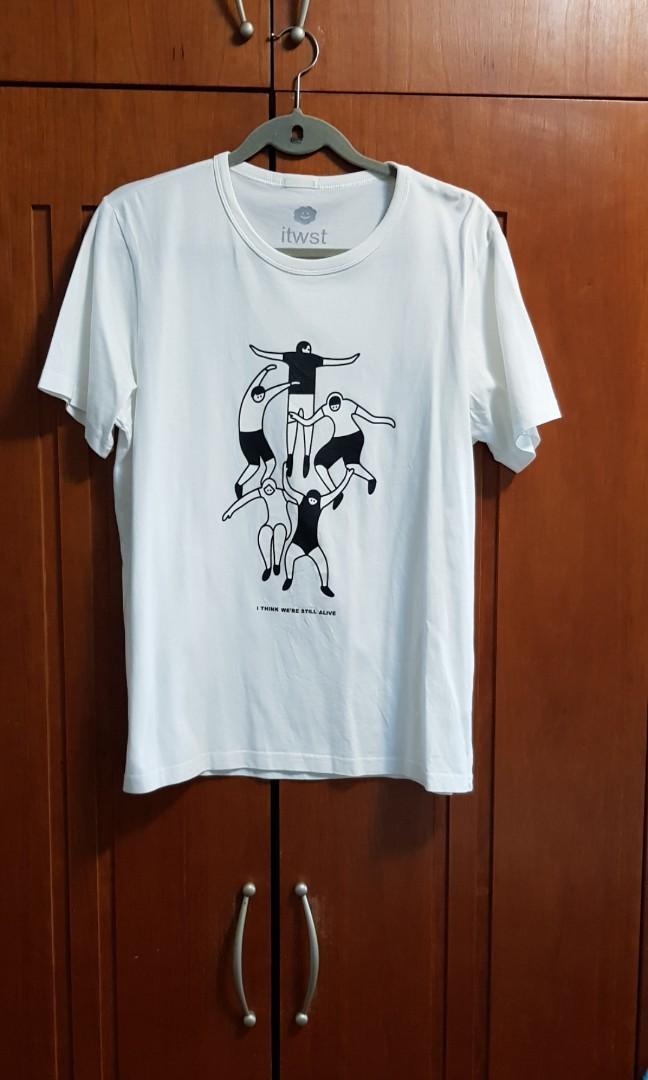 Men White tee shirt
