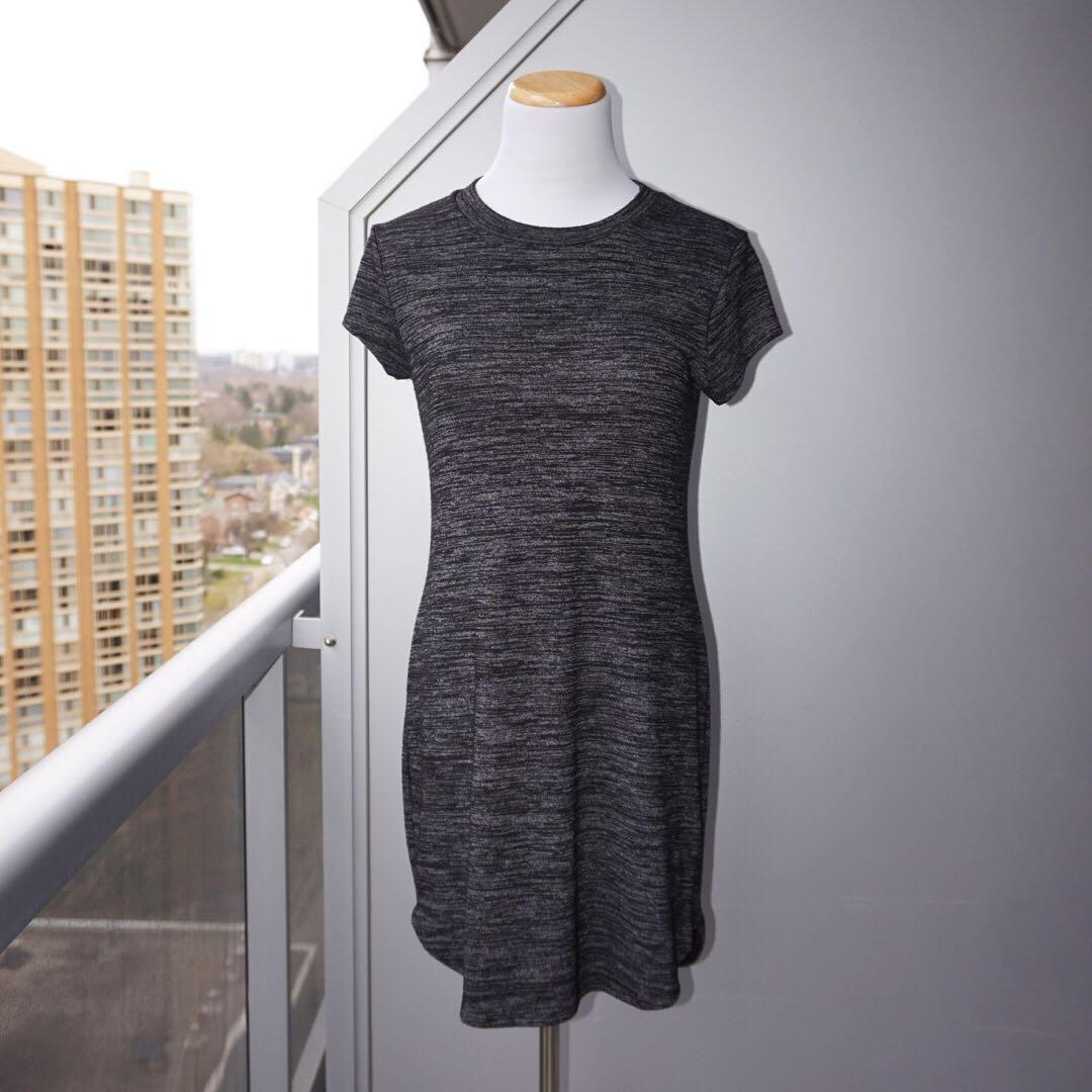 *NWOT* Ripe t-shirt Dress in charcoal Women Size S