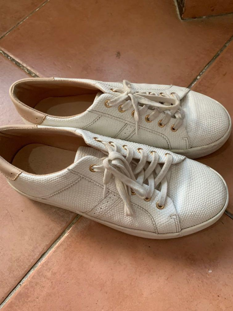 Pull and bear shoes