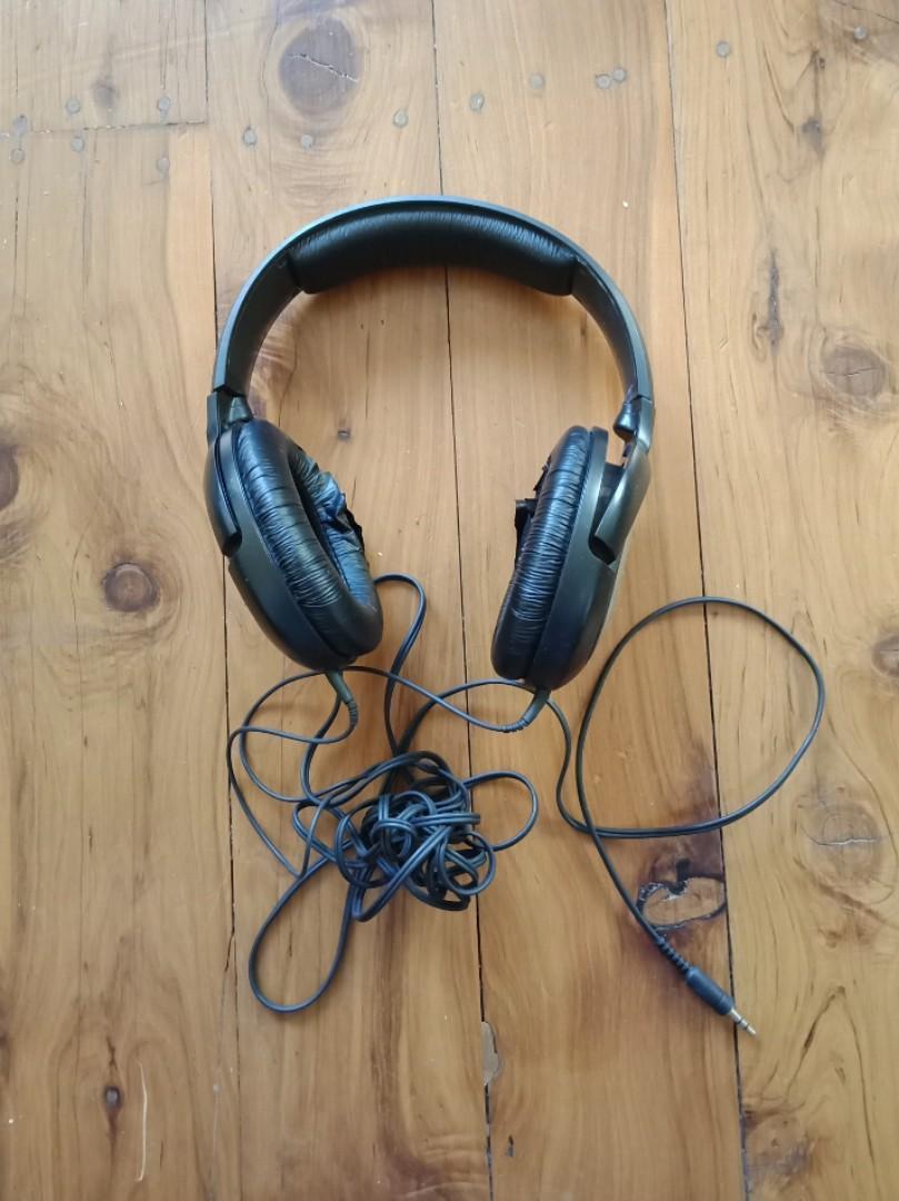 SENNHEISER Circumaural Closed-Back Dynamic Stereo HEADPHONES