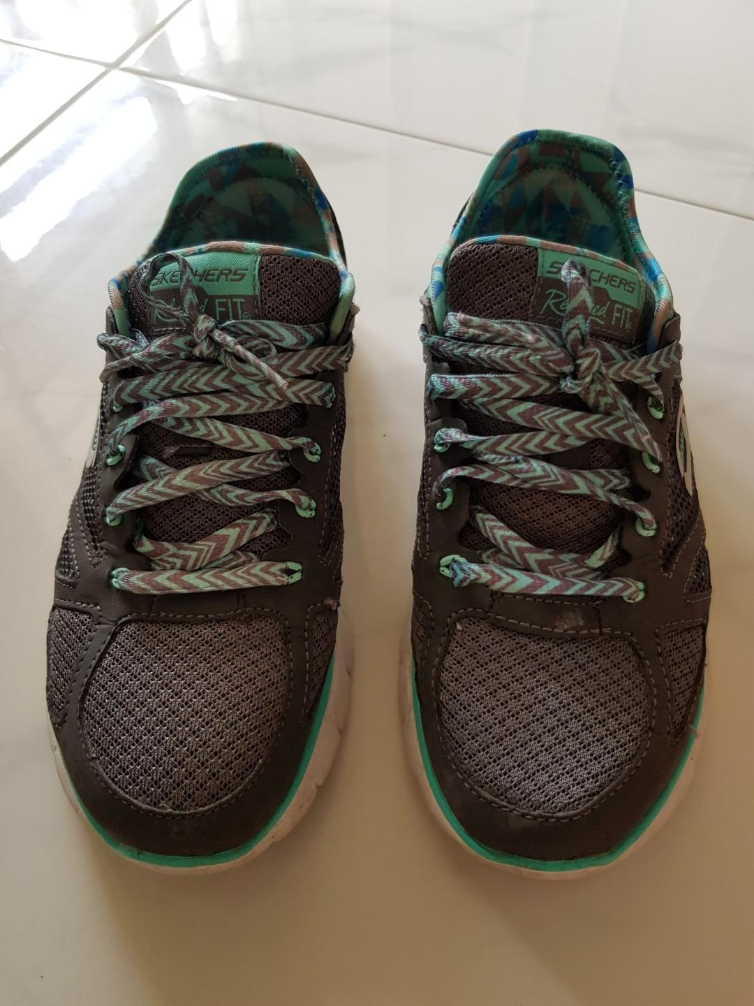 Sketcher sports shoes, Women's Fashion, Shoes, Sneakers on
