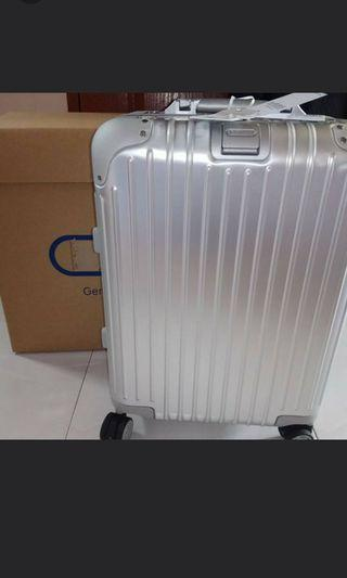 Brand new Rimowa 32L (stop production)
