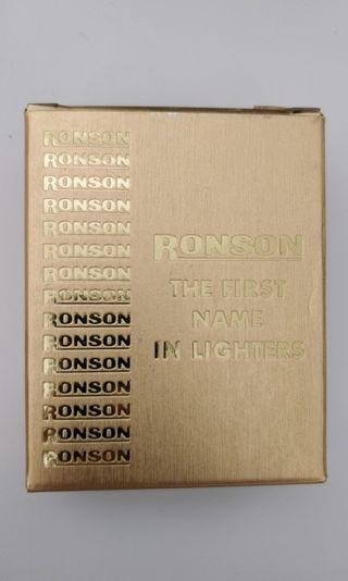 🚚 Brand new vintage Ronson lite touch IC electronic butane lighter