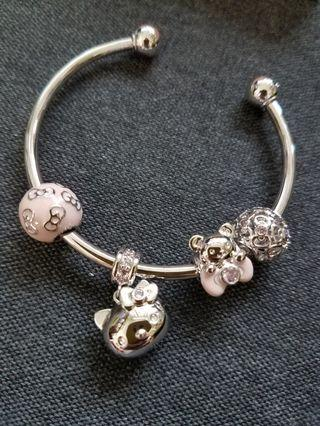 Hello Kitty bracelet 手鈪