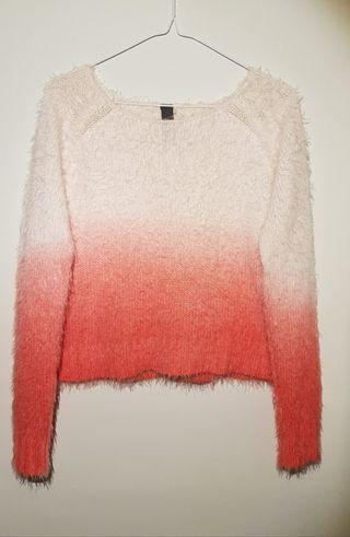 🚚 Pink and White Pullover Sweater