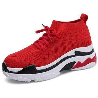 Sepatu balenciaga sneakers look like