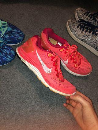 Nike trainers size 7 womens