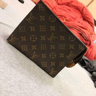 Louis Vuitton 手拿包 假一賠二