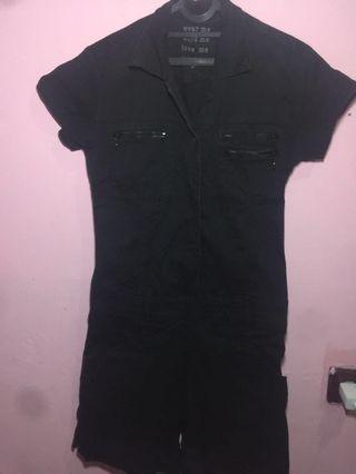 Jumpsuit hitam