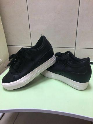 🚚 黑色內增高鞋
