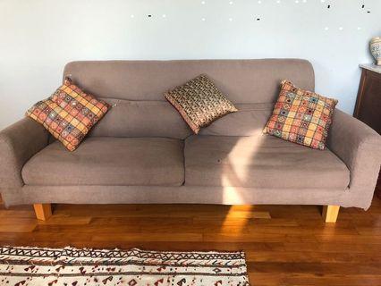 🚚 Brown or pink sofa