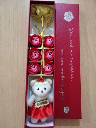 Red/ Pink rose with bear in box