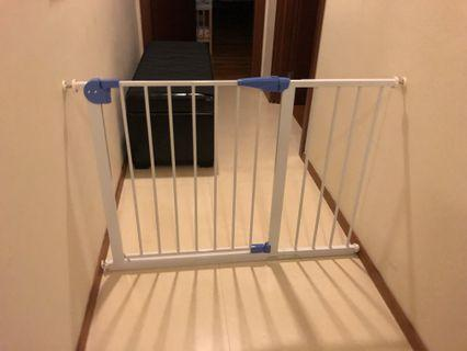 🚚 BRAND NEW Safety Gate For SALE