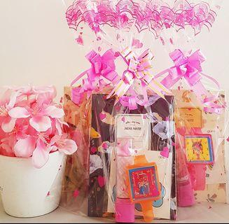 🚚 Goodie bag, goody bag, birthday pack for k1/k2, preschool goodie bag, lipstick eraser, unicorn