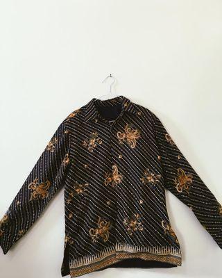 Batik Hitam Gold