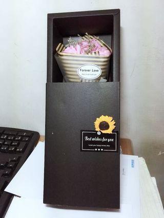 🚚 手工粉色玫瑰花束禮盒版