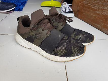 Sneakers Pull & Bear Army
