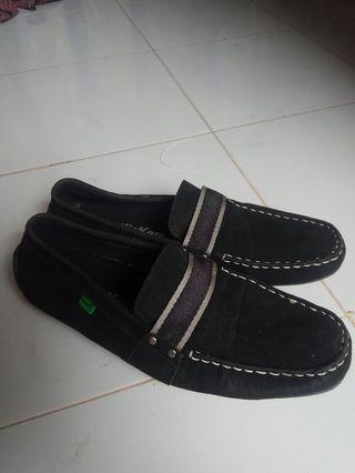 Sepatu casual 155rb