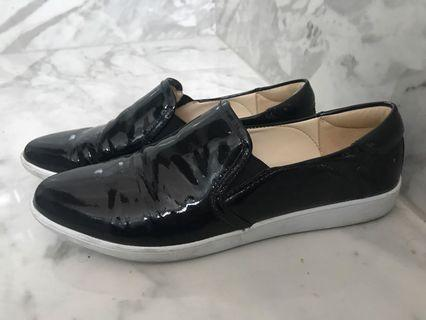 NINE WEST patent leather loafers shoes Sz 8/39 worn once