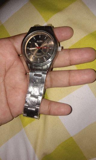 Jam tangan baru