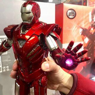 IRON MAN 3 SILVER CENTURION (MARK XXXIII) Hot Toys Collectible Action Figurine