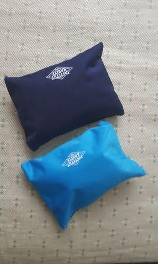 飛機贈品包 (拖鞋/襪/眼罩/耳塞)連袋