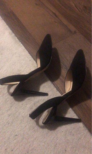 Town shoes heels