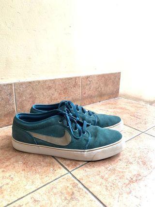 Nike Toki Low Tosca