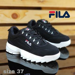 Sepatu Fila Hitam